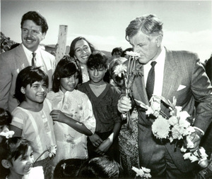 Ted_kennedy_in_juarez